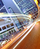 Futuristische städtische Stadt nachts Stockbild