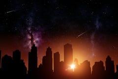 Futuristische stadswolkenkrabbers over zonsopgang in ruimte Stock Afbeelding