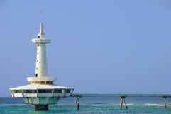 Futuristischer Pier auf Bahamas lizenzfreies stockbild