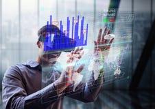 futuristischer Raumschnittstelle Mann vor dem Fenster mit Gläsern 3D Stockbilder
