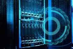 Futuristisches techno Design auf Hintergrund des fantastischen SupercomputerRechenzentrums Lizenzfreie Stockfotografie
