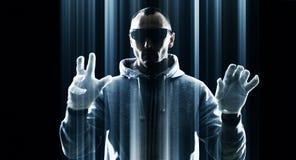 Futuristisk en hackerattack, cybersäkerhet i framtid Arkivfoto