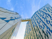 Futuristisk hotellbyggnad arkivfoto