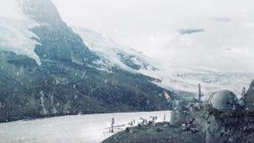 Futuristisk industriell operation på den snöig planeten lager videofilmer