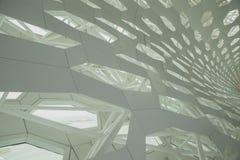 Futuristisk inre strukturväggbeståndsdel av modern bionisk arkitektur Betong och metall royaltyfri foto