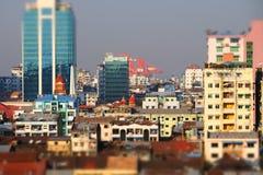 Futuristisk panorama för flyg- sikt av framkallning av den Yangon staden myanmar royaltyfria bilder