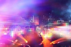 Futuristisk retro bakgrund av den retro stilen för 80 ` s Digital eller Cyberyttersida neonljus och geometrisk modell Royaltyfri Bild