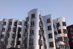 Futuristiska byggnader i Dusseldorf, Tyskland Royaltyfri Fotografi