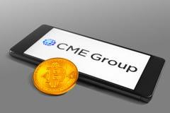Futuros de Bitcoin e de CME Group e troca de opções fotografia de stock