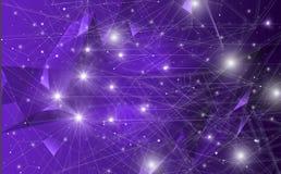 Futurystyczny abstrakt iluminuje linię, kropkuje bezprzewodowego związek i macha z trójbokiem jaskrawym na purpurowym tle, z royalty ilustracja
