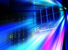 Futurystyczny spojrzenie pokój z komputer mainframe w dane centrum serw Obraz Stock