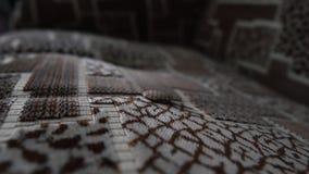 Futurystyczny tapicerowanie brandnew kanapa patrzeje jak procesor z elektroniką zbiory wideo