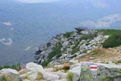 Fußwegen-Markierung in Tatra-Bergen Stockfotografie