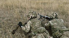 Fuzileiros navais dos E.U. com rifle semiautomático Fotografia de Stock Royalty Free