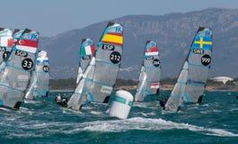 FX grupuje żeglowanie podczas regatta w palmy de Mallorca szczególe na boja fotografia royalty free