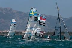 FX grupuje żeglowanie podczas regatta w palmy de Mallorca szczególe na boja obraz royalty free