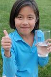 fyll på vatten Fotografering för Bildbyråer