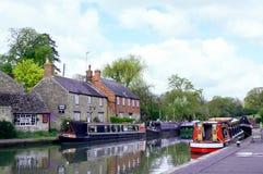 Fylla på med bränsle Bruerne, Northamptonshire, UK Fotografering för Bildbyråer