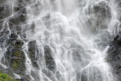 fyllande ramvattenfall Royaltyfri Foto