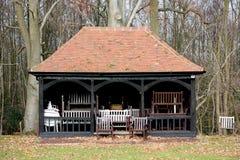 fylld paviljong för stolar syrsa royaltyfri illustrationer