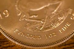 Fyngoud 1 Unze (Wörter) auf südafrikanischer Goldmünze Lizenzfreies Stockfoto