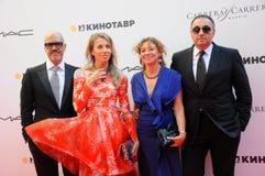 Fyodor Bondarchuk, Александр Rodnyansky с супругами Стоковое Изображение RF