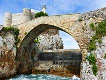 Fyr av Castro Urdiales, Cantabria, Spanien Fotografering för Bildbyråer