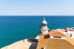 Fyr av Peniscola Papa Luna Castle With Mediterranean Sea som bakgrund Royaltyfri Foto