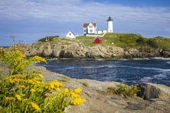 Fyr för ` för Nubble för uddeNeddick `, York, Maine Arkivfoto