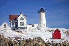 Fyr för ` för Nubble för uddeNeddick `, York, Maine Royaltyfri Bild
