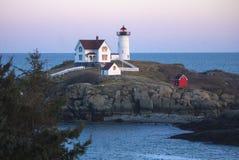 Fyr för ` för Nubble för uddeNeddick `, York, Maine Arkivfoton