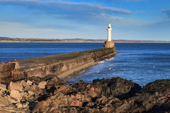 Fyr i Aberdeen, Skottland Arkivbild