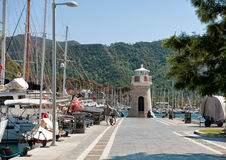 Fyr i den Marmaris marina Turkiet Royaltyfria Bilder