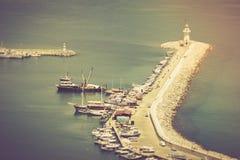 Fyr i port Alanya, Turkiet driva som fiskar medelhavs- netto havstonfisk Fotografering för Bildbyråer