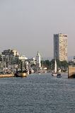 Fyr- och fartygRimini port Arkivbild