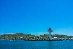 Fyr på den Sichang ön Royaltyfri Foto