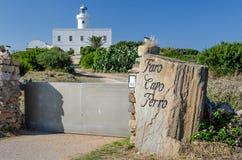Fyr på Faro udde, Sardinia Arkivbilder
