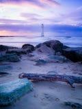 Fyr vid kusten Arkivfoton