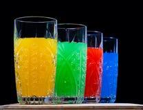 Fyra färger. drink. sodavatten, arkivbilder