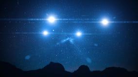Fyra oidentifierade flyga objekt i nattökenhimmel stock video