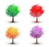 Fyra säsongsbetonade träd - vår, sommar, höst, vinter Fotografering för Bildbyråer