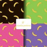 Fyra sömlösa modeller med bananer royaltyfri illustrationer