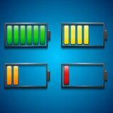 Fyra symboler av laddning från maximum till minimien i olika färger Arkivbild