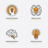 Fyra symboler med det mänskliga huvudet, hjärnan och den ljusa kulan stock illustrationer