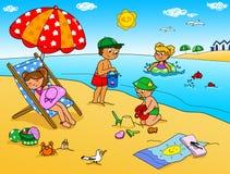 Fyra ungar på sjösidan Arkivfoton