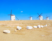 Fyra universitetslärareQuixote windmills. La Mancha Spanien. Royaltyfri Fotografi