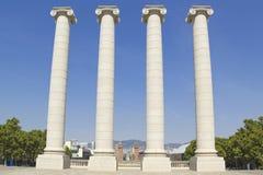 Fyra vita kolonner, Barcelona Fotografering för Bildbyråer