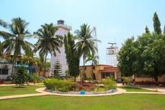 Fyren är handling Territoriet av fyren i Goa, Indien Arkivfoton