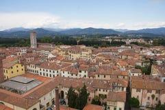 Fyrkant av amfiteatern, Lucca, Italien Arkivbilder