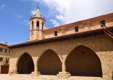 Fyrkant av Cristo Rey, Cantavieja, Maestrazgo, Teruel landskap, Ar royaltyfri fotografi
